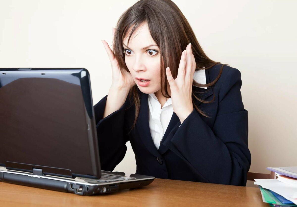 уже девушки возле компьютера возбудившись предела