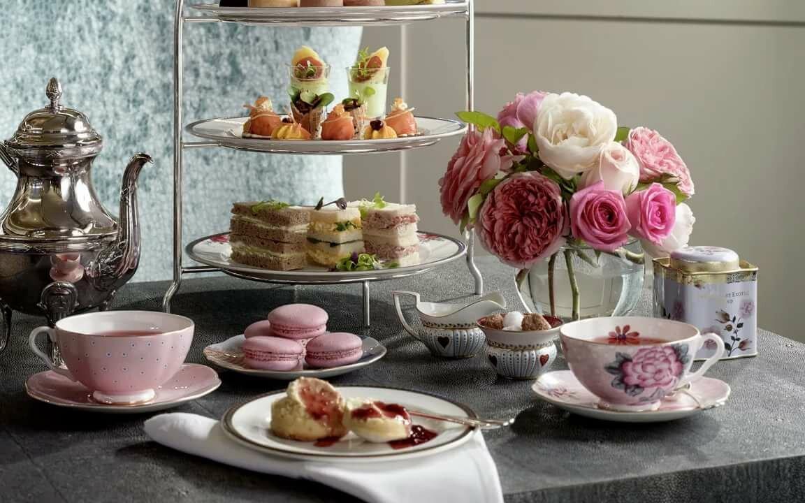 Открытки с пирожными и чаем