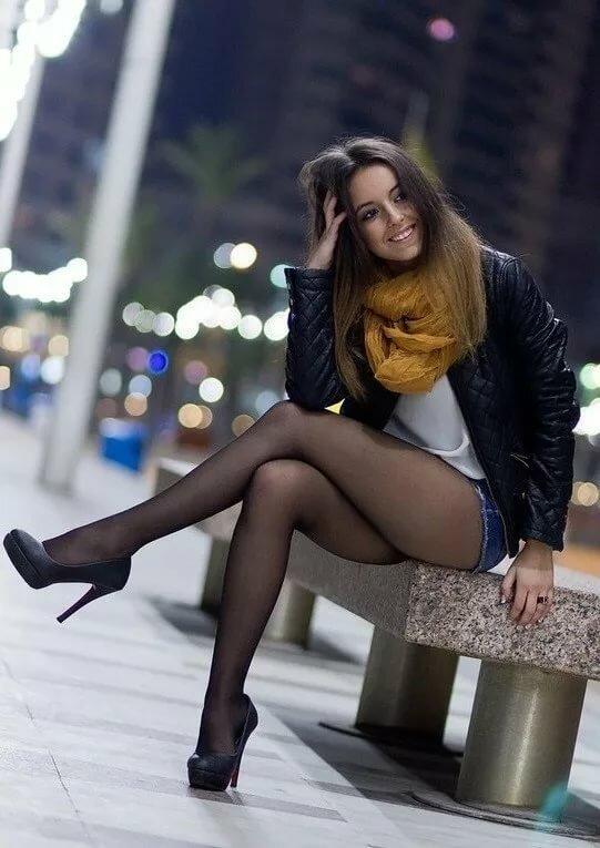 Молодушки чулочках фото красивых девушек в юбках и чулках копилка бесс фото