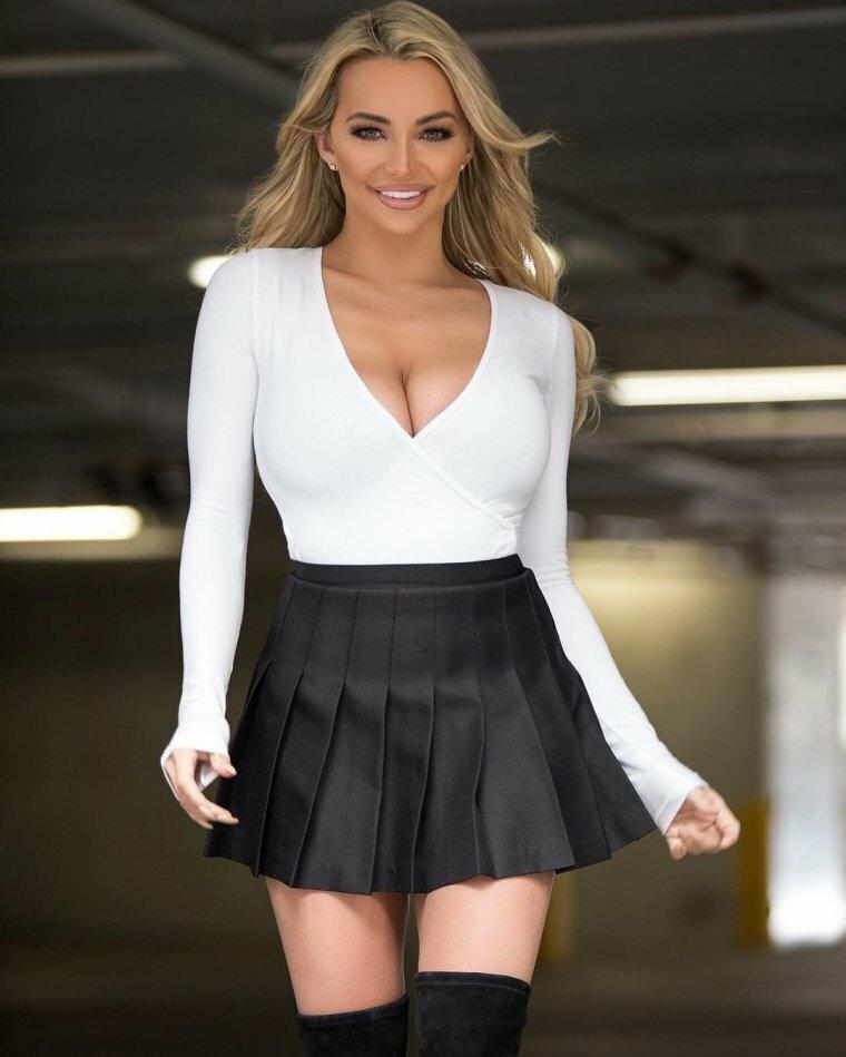Девчонки в коротеньких юбочках — img 5