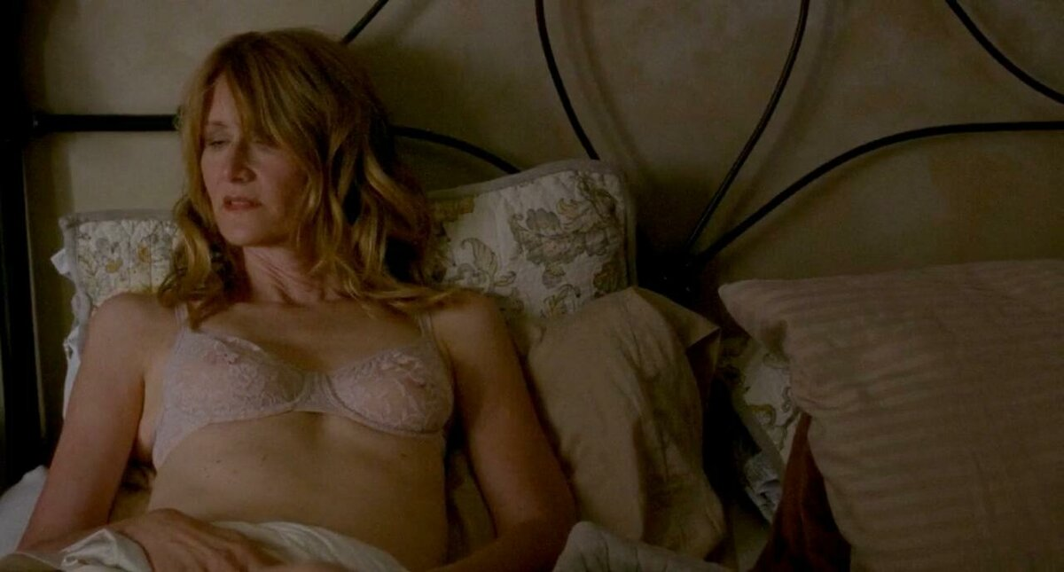 laura-linney-butt-lois-griffin-cheating-porn