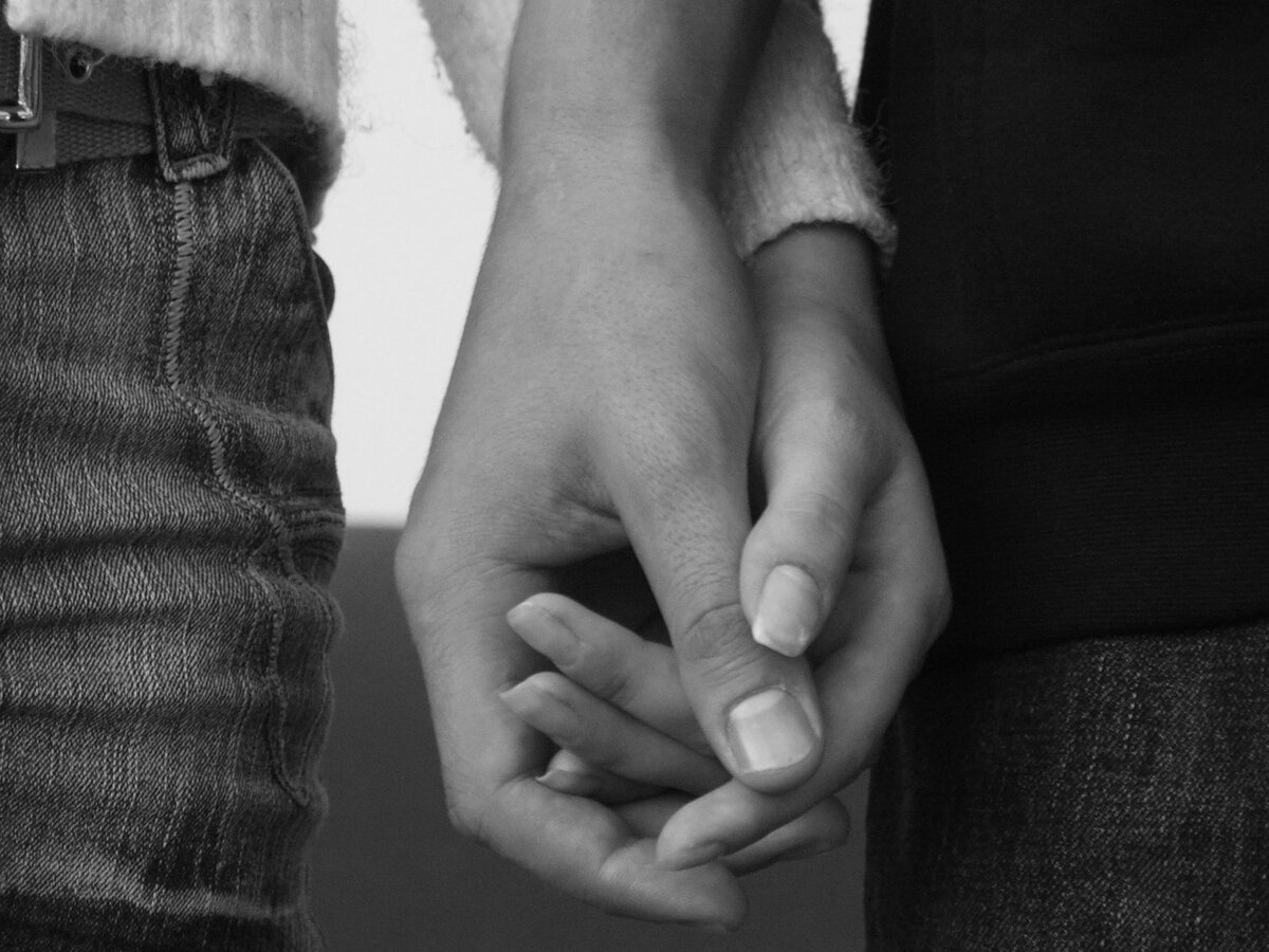Открытки рук влюбленных, днем