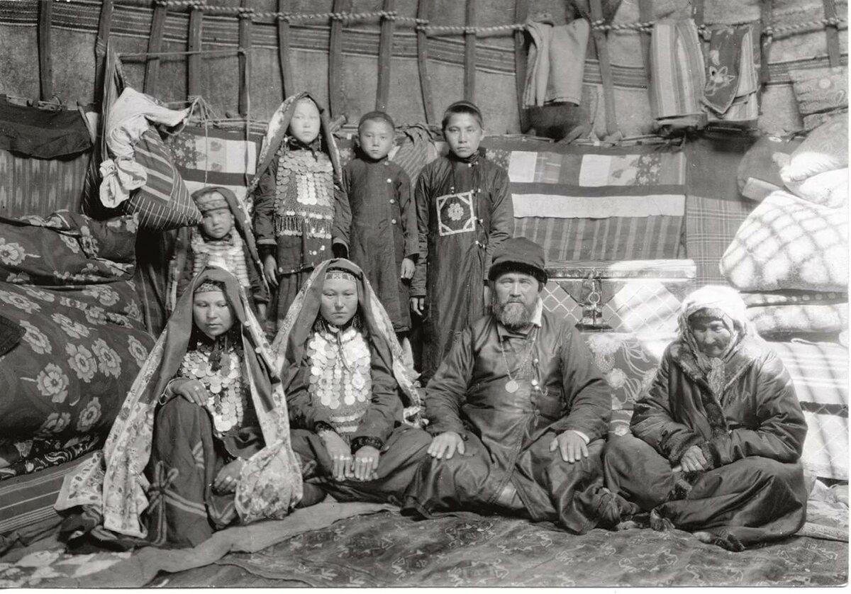 границу, женщина-посредник фото башкир до революции создания
