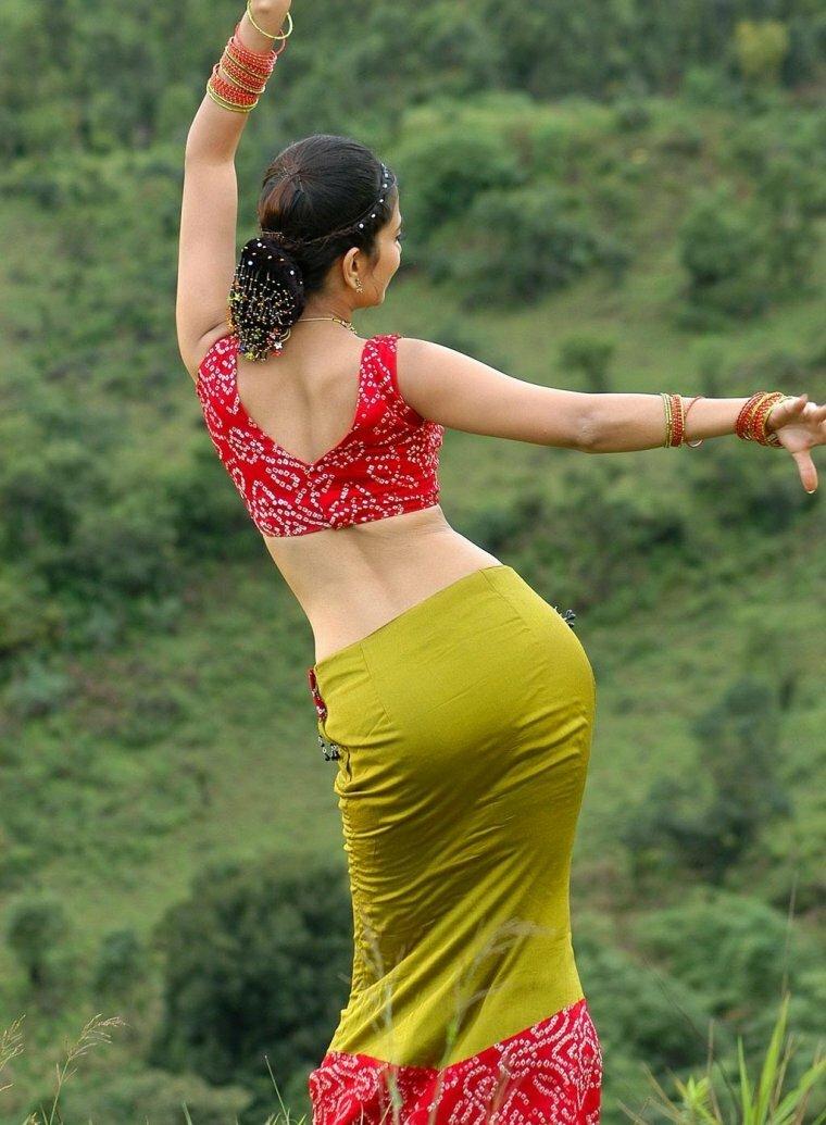 Big butt indian girls — photo 15
