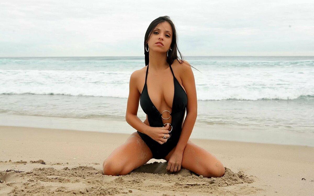 Красотки на пляже — img 15