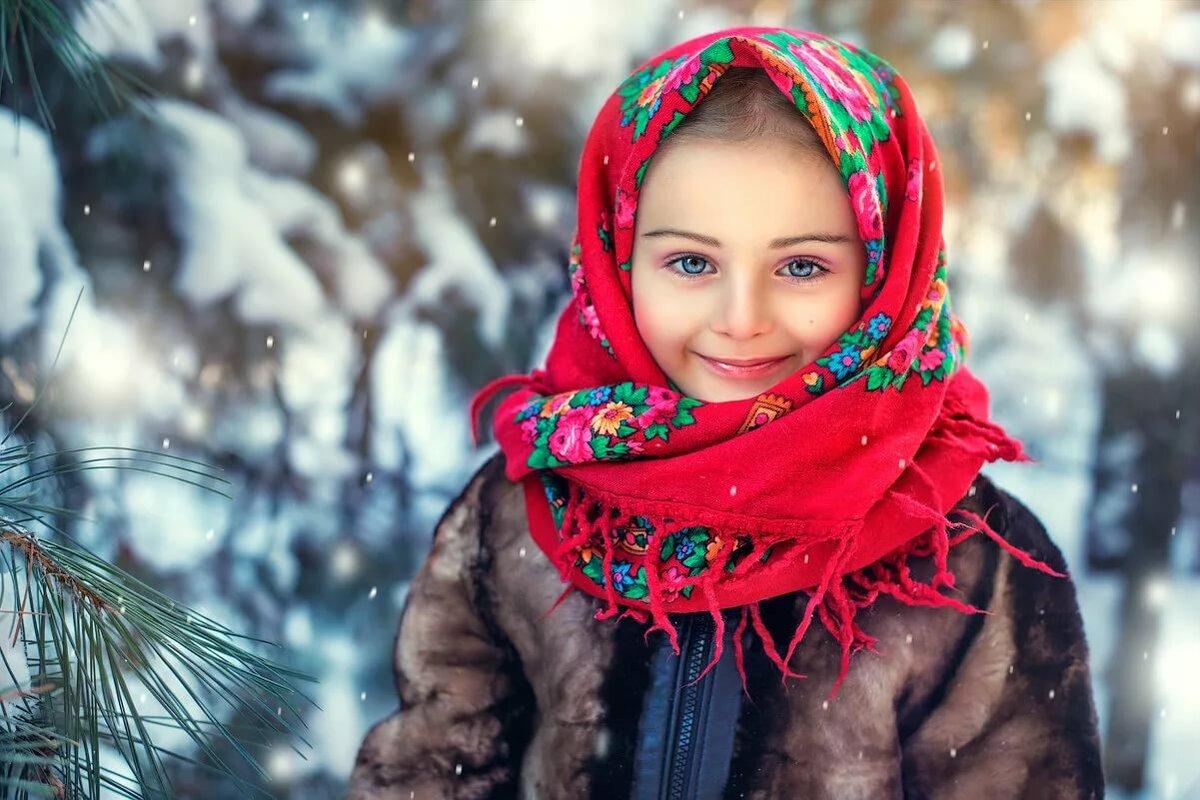 фото в русском платке зимой нас низкая цена