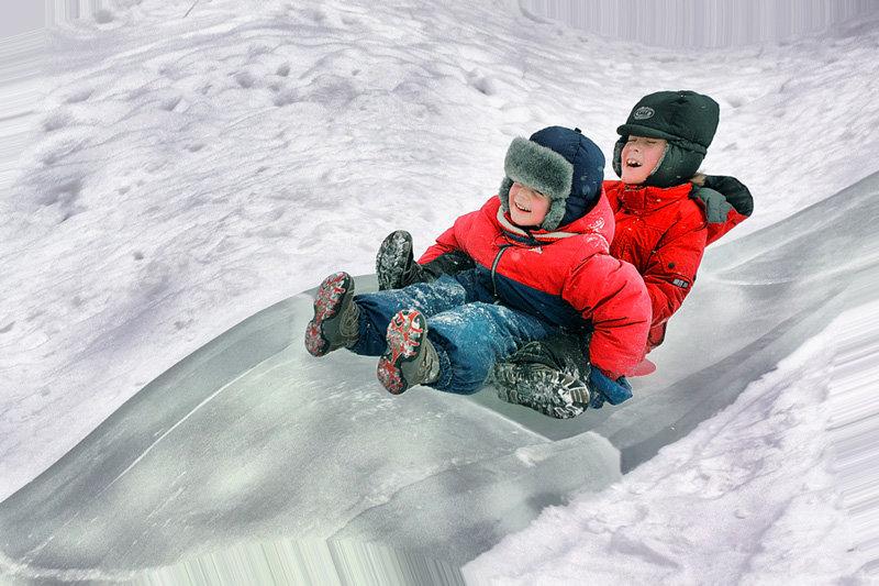Картинка дети катаются с горы для детей
