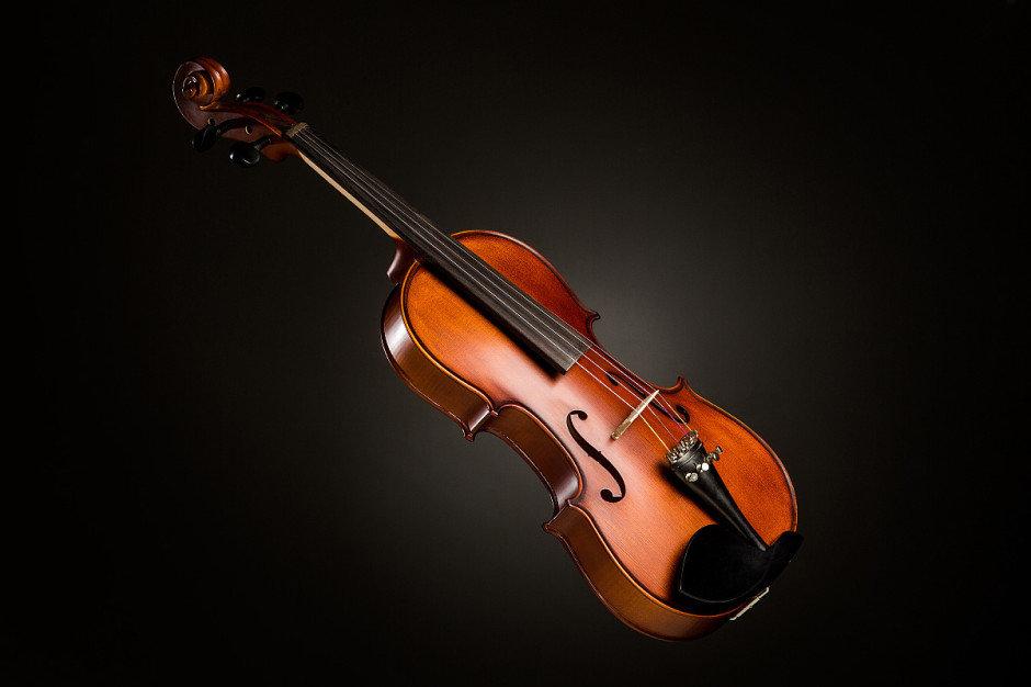 картинки скрипка и смычок на телефон замахиваюсь грандиозность