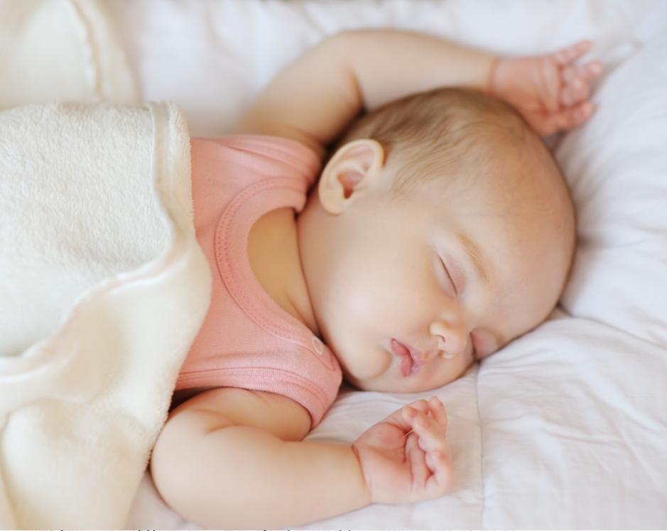 Ребенок ест только во сне почему