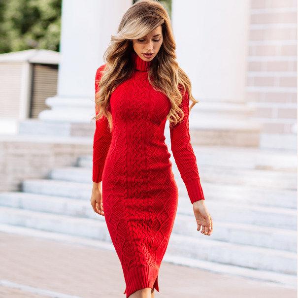 d132cf407d9d Вязаное платье красного цвета ручная работа.Красивый узор с косами спереди  и сзади, а