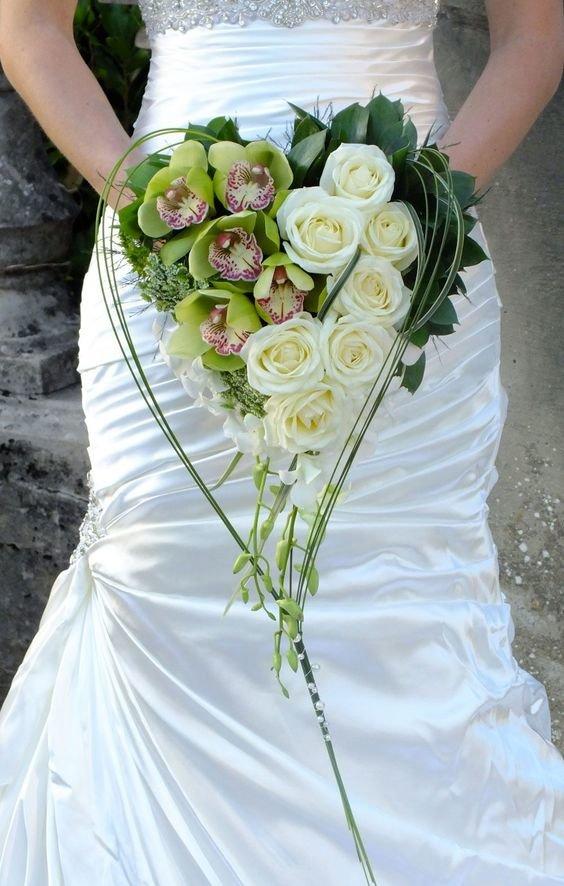 Оптом москве, букеты невесты в форме сердца