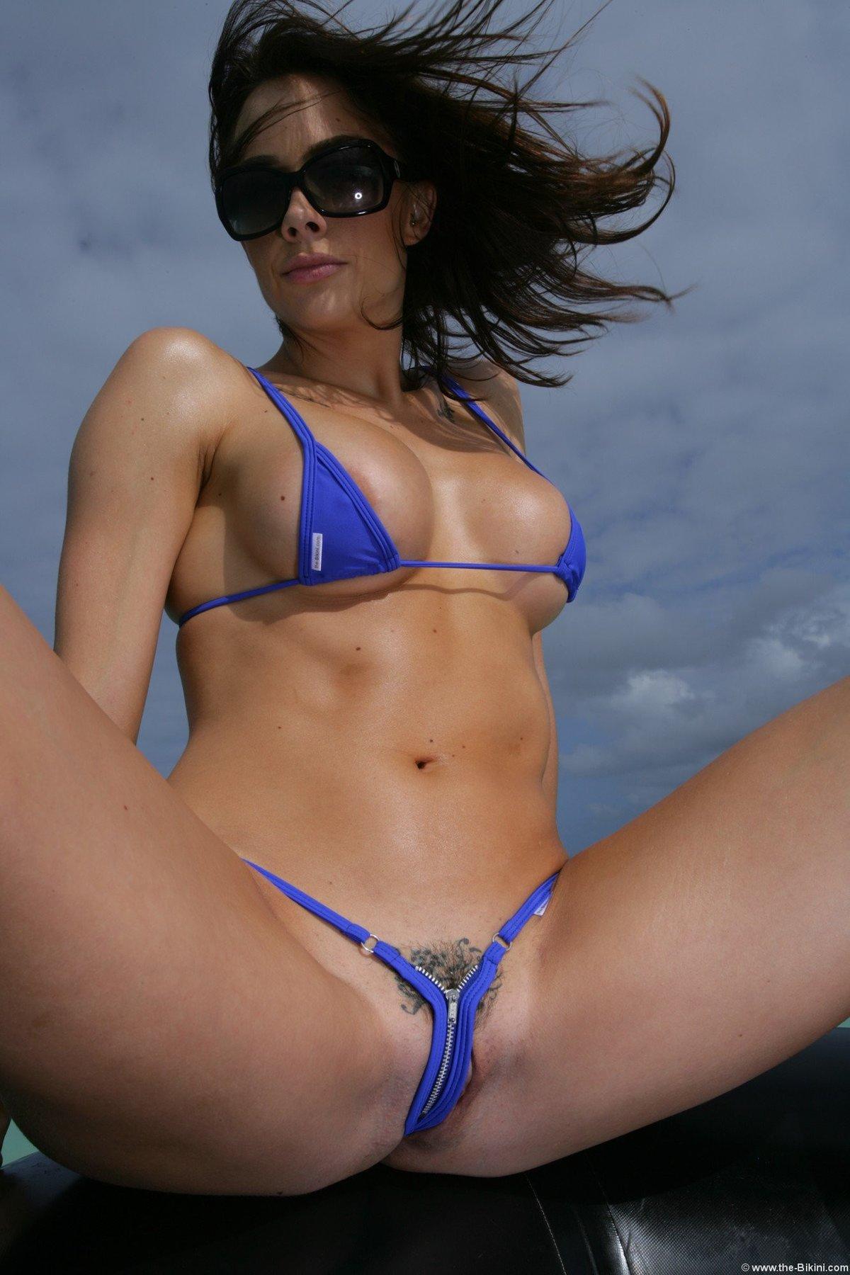 bikini-hot-clips-russian-lick-big-cock