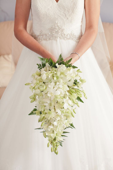 Букет невесты ниспадающий, гладиолусы цветы на заказ по россии
