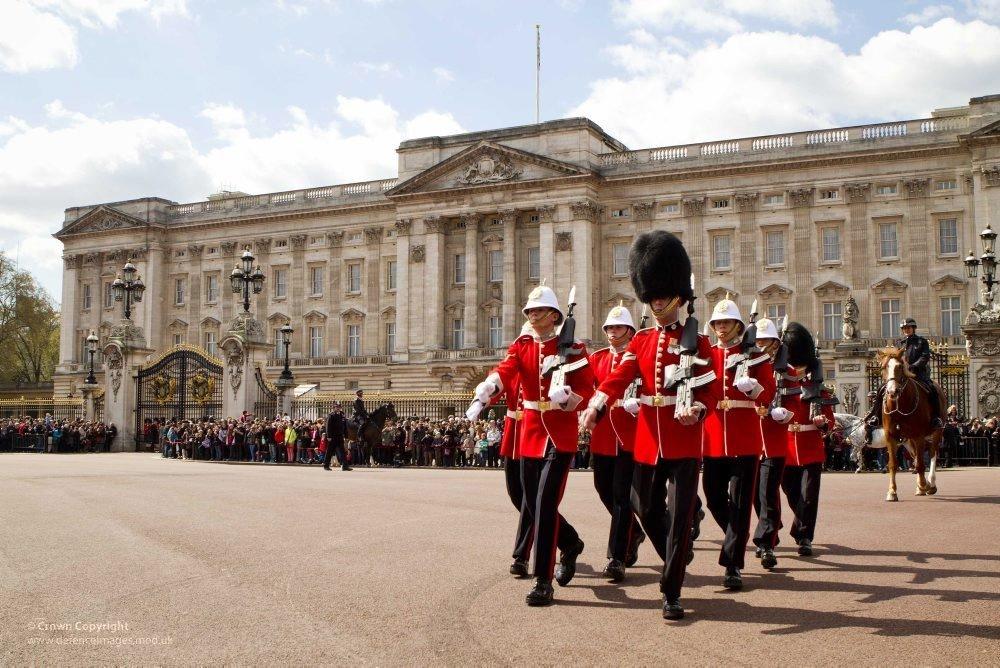 букингемский дворец в лондоне фото это время