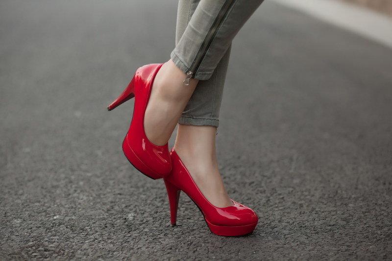 нравится картинки с туфлями на высоком всю жизнь мечтала