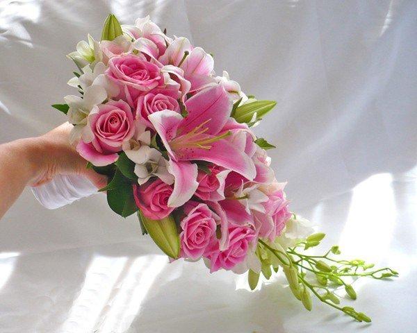 Букеты из орхидей лилий и роз фото, цветы сочи круглосуточно