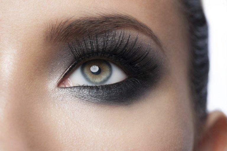 Черные тени для глаз картинки