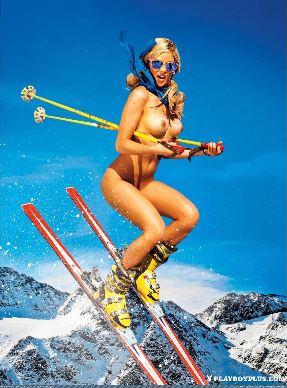 Debby skiing naked porno gratis