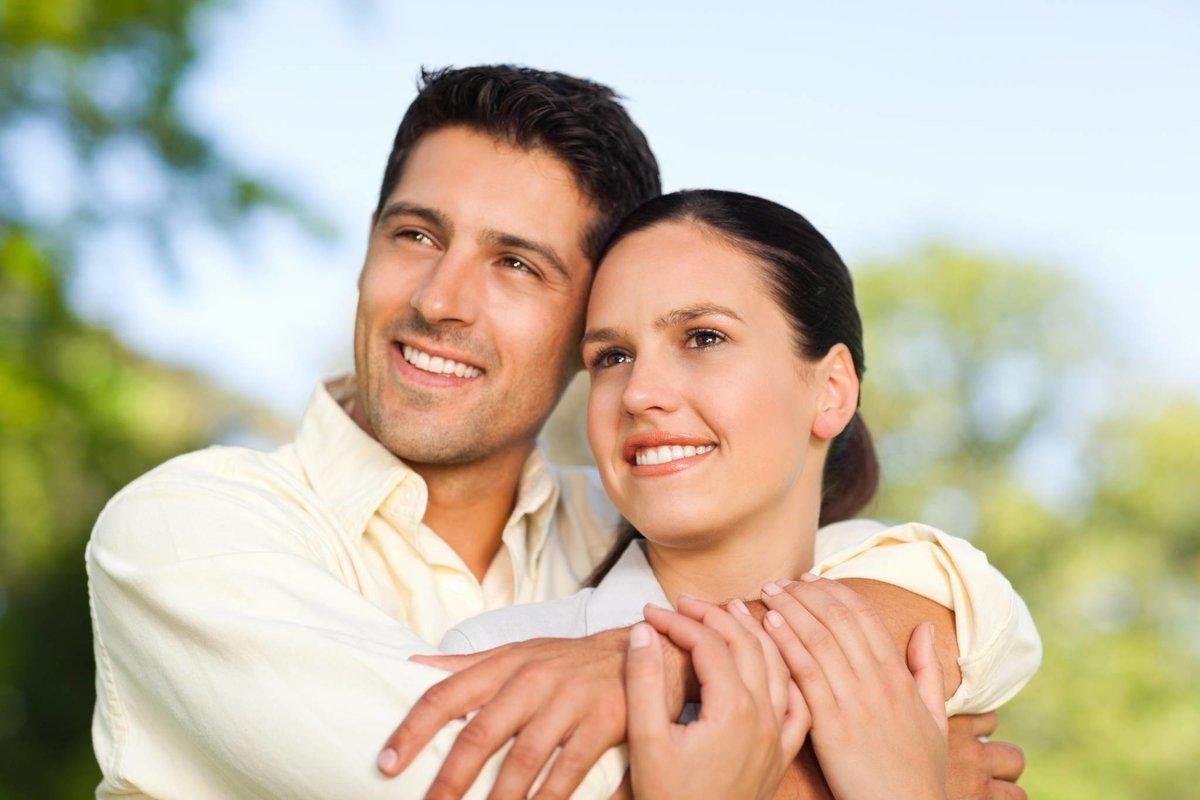 Молодая пара муж и жена — 12