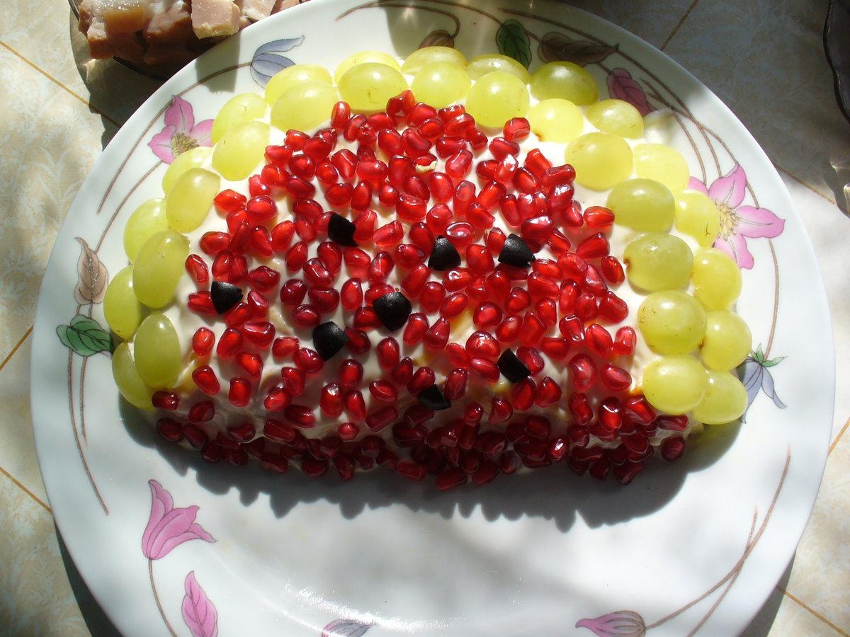 Салат из винограда в картинках