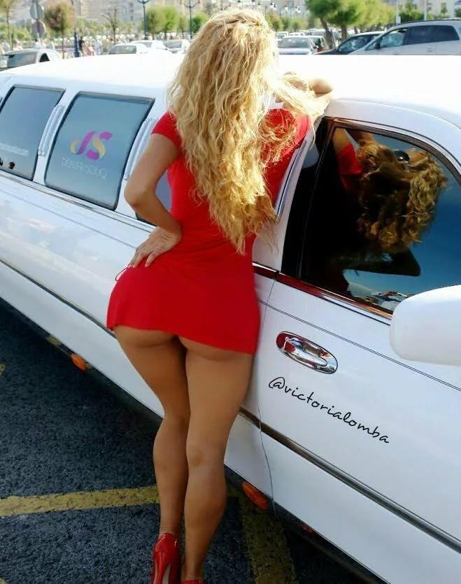 Негры трахают фото попок в мини мини мини юбках сзади блондинка