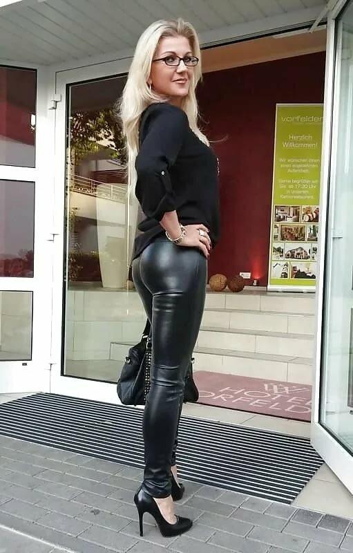 older-women-tight-pants-pants-ebony-all-stars-porn-directory