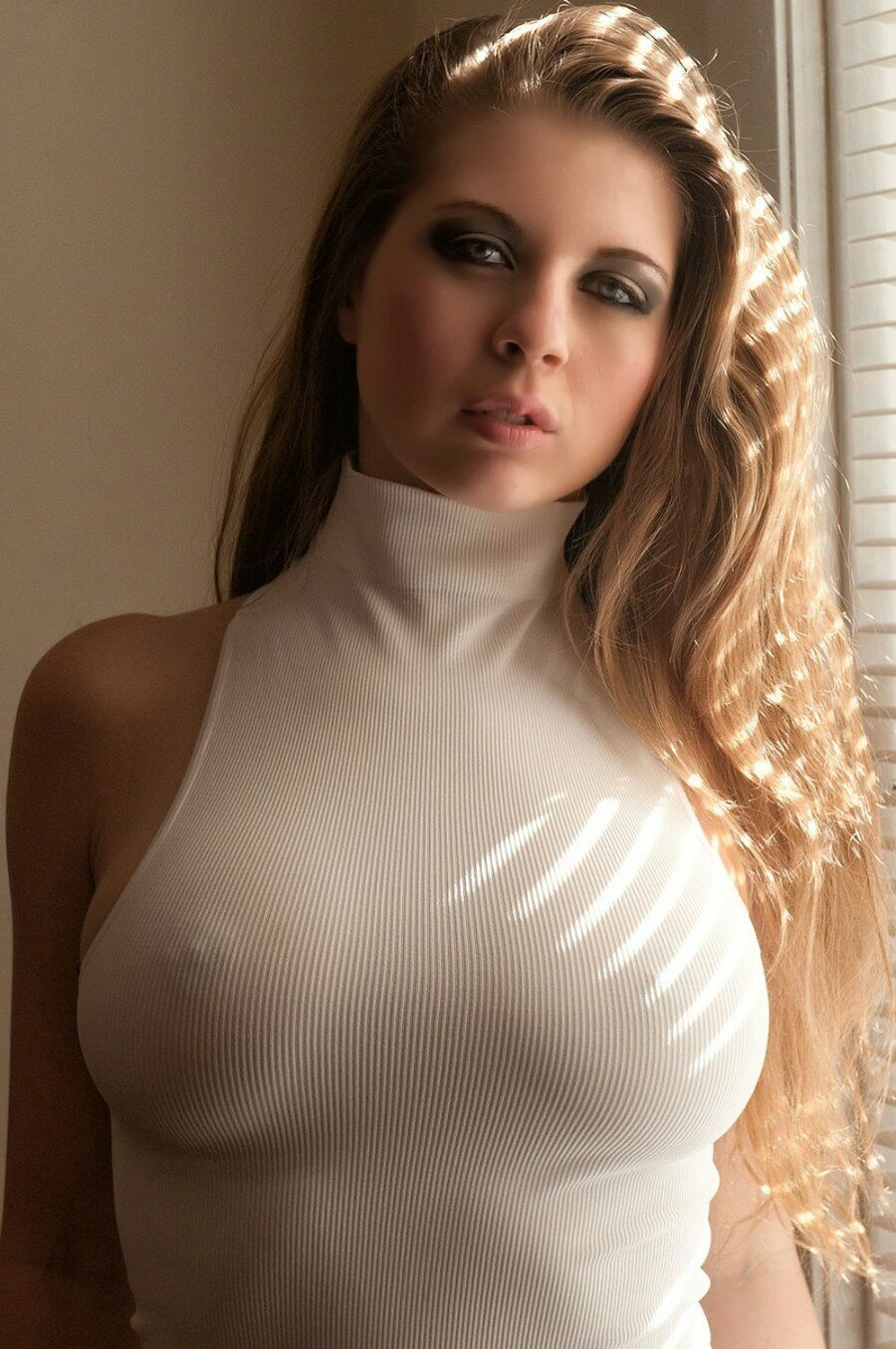busty-see-through