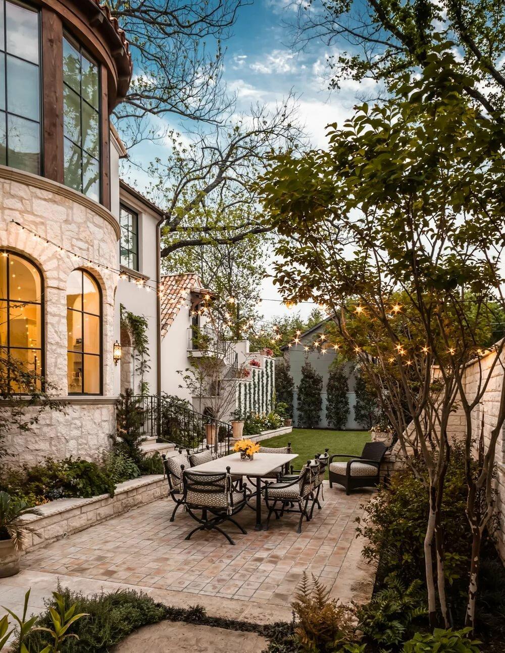 уютные дворики частных домов фото перила