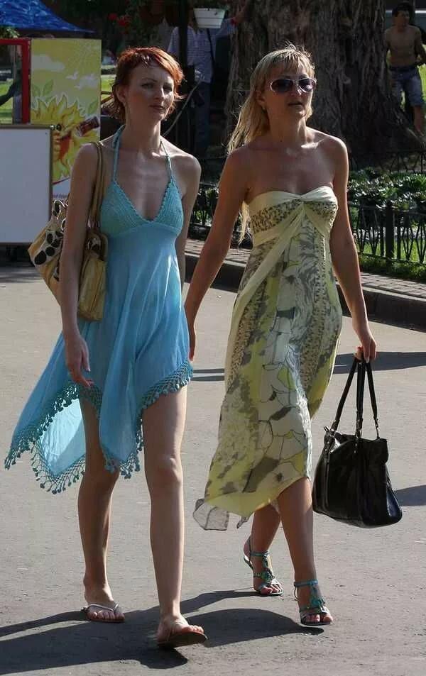 Просвечивающая одежда на улице видео — pic 9