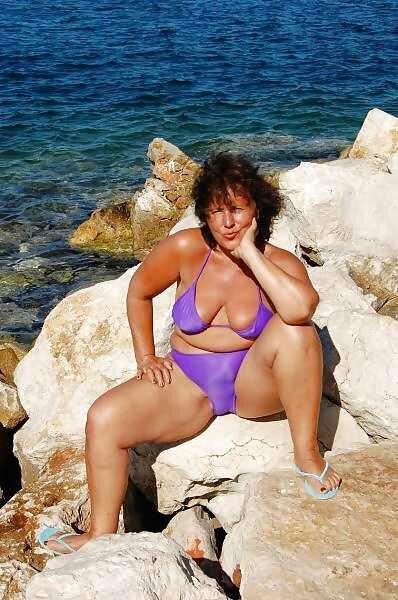 признаюсь, выдающихся тетки на пляже фото лучше ебанись