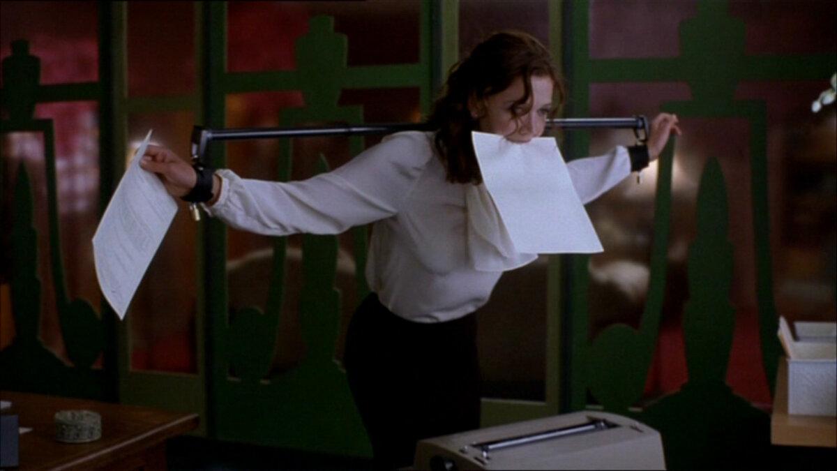 Смотреть эротический фильм секретарша 11