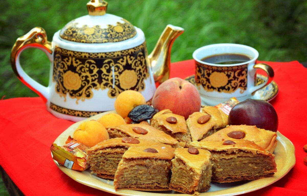 Днем рождения, к чаю картинки красивые