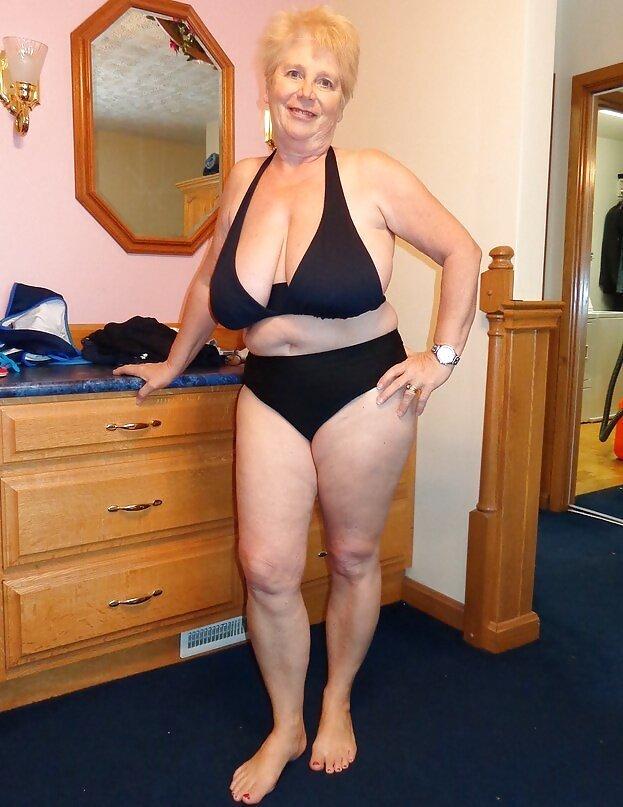 сестрой фото старые голые тетки казался огромным, твердым