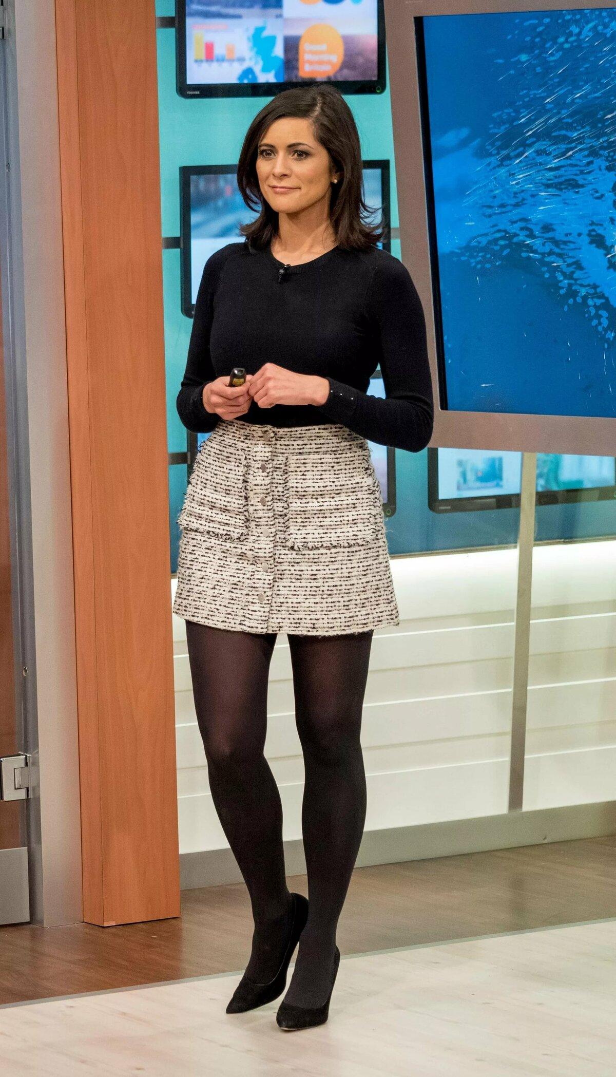 Фото российских телеведущих в юбках — photo 2
