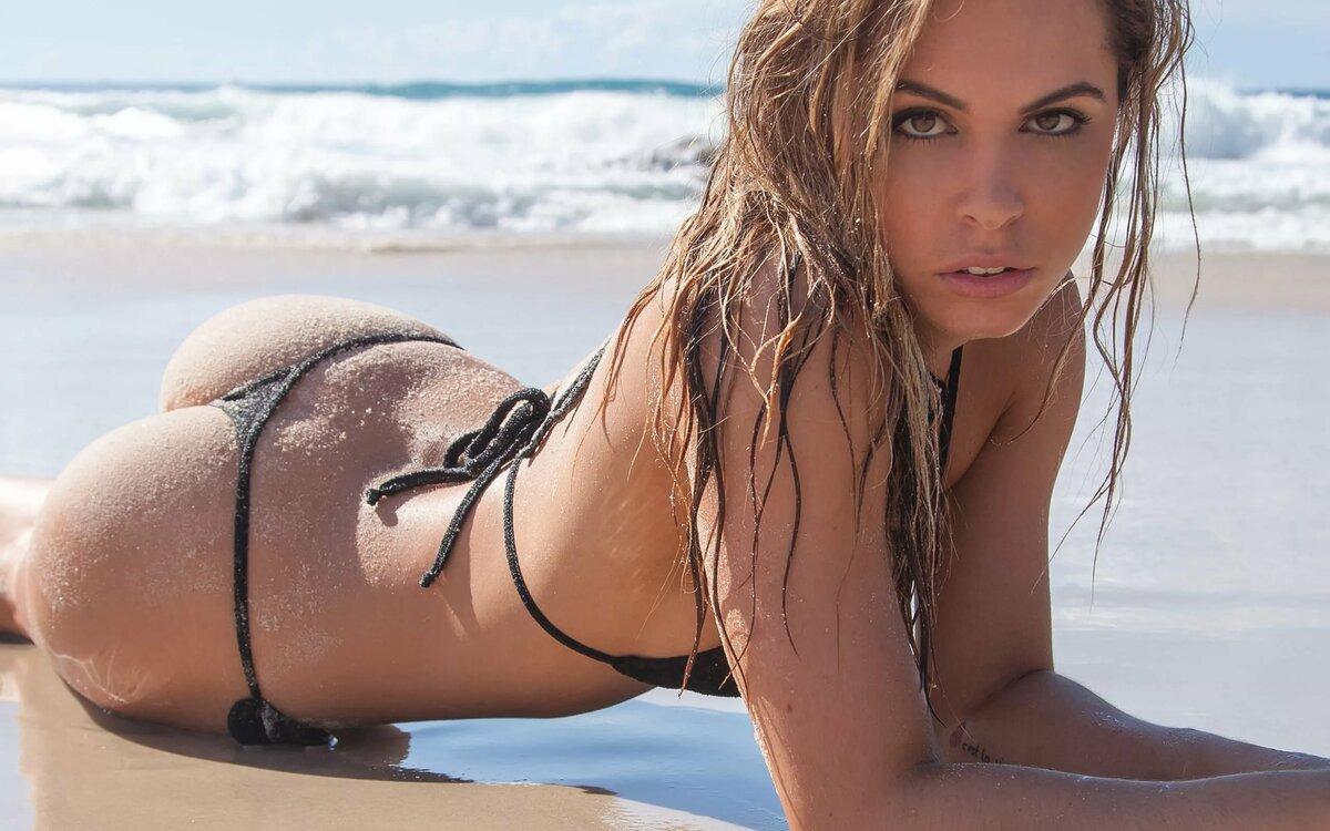 Model video bikini