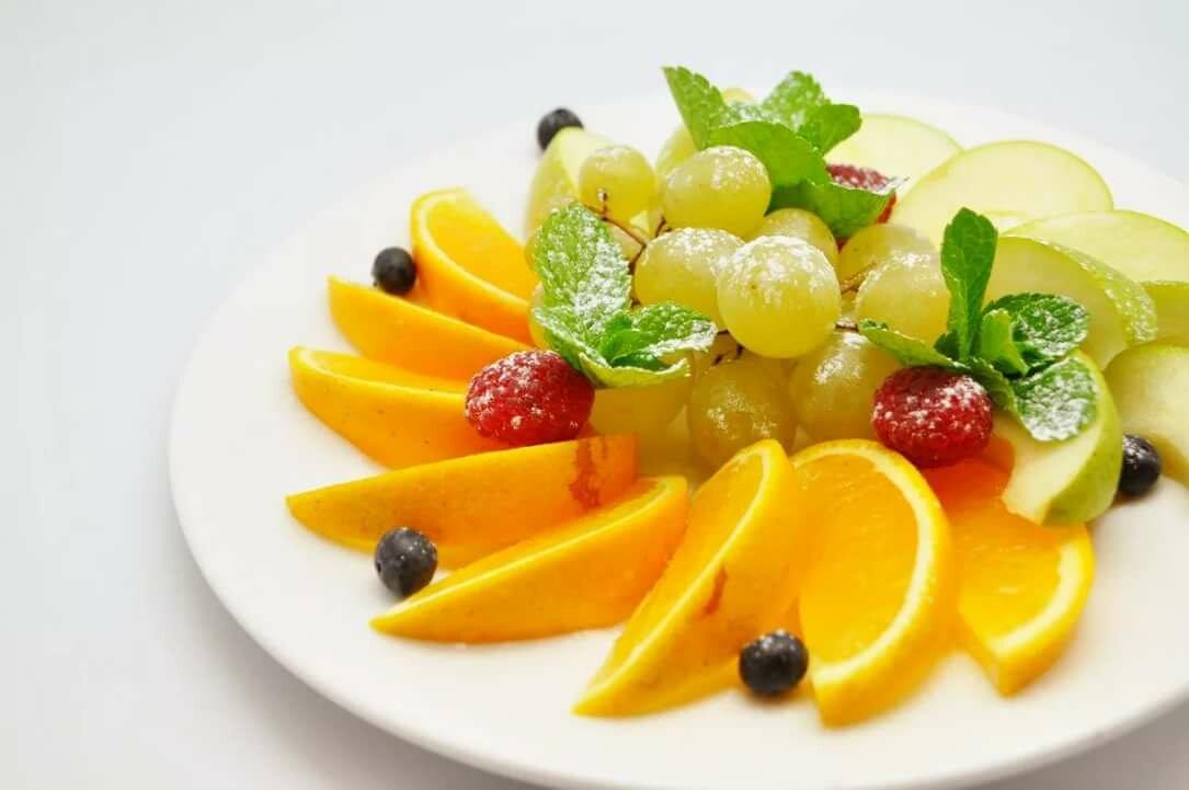 читайте, заранее красивое фото фруктов в тарелке ланы