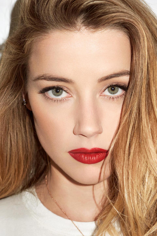 Секрет идеального макияжа состоит в правильности его использования.