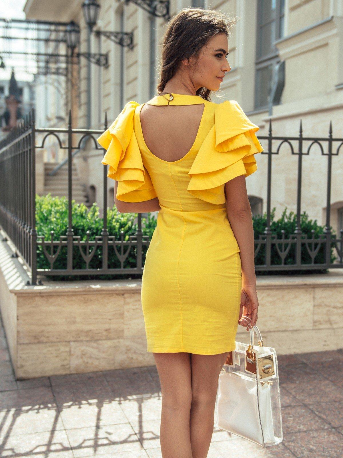 Картинки с желтым платьем