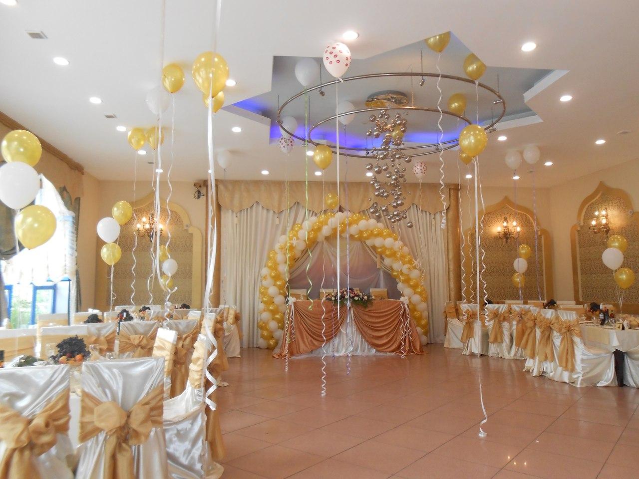 Украшения зала на золотую свадьбу 59