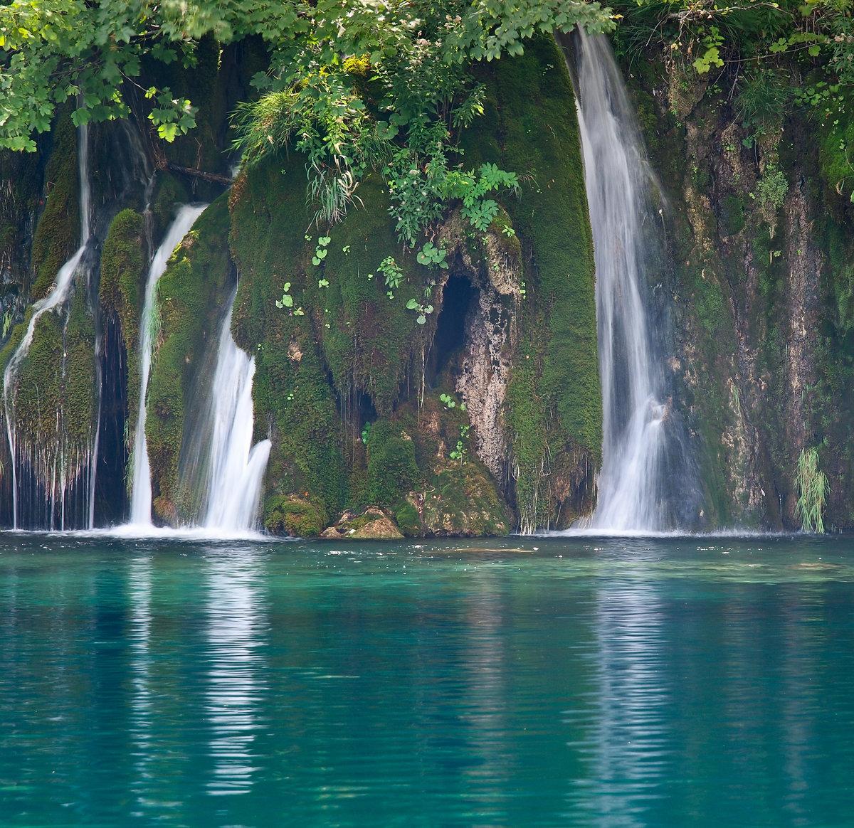 Юбилей, картинка водопад анимация