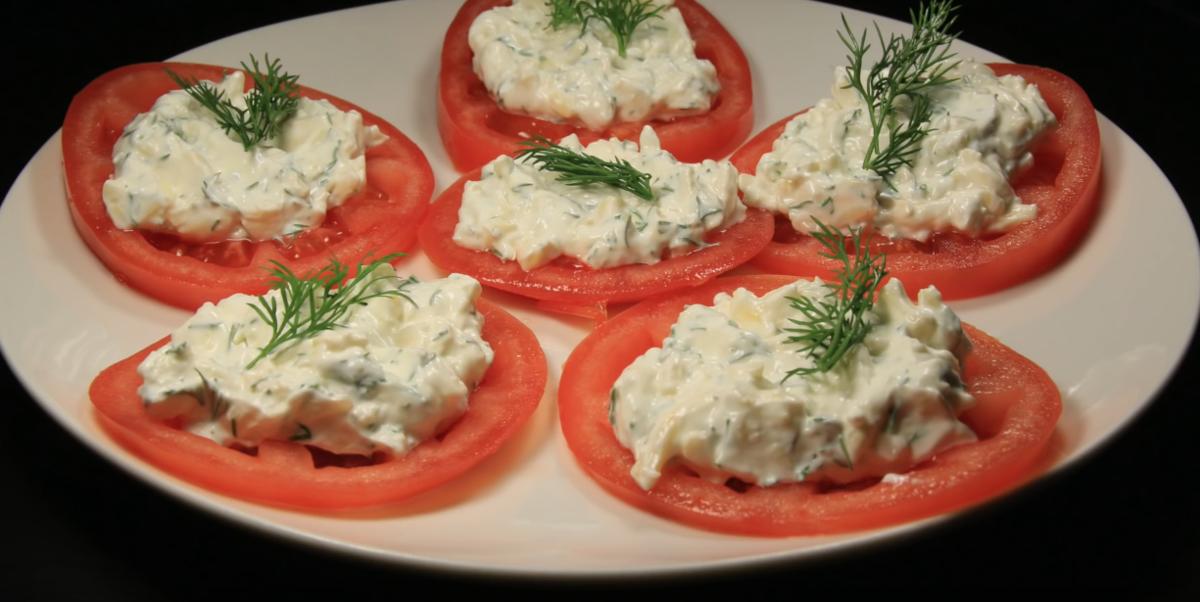 фото сыром из помидор закуска с