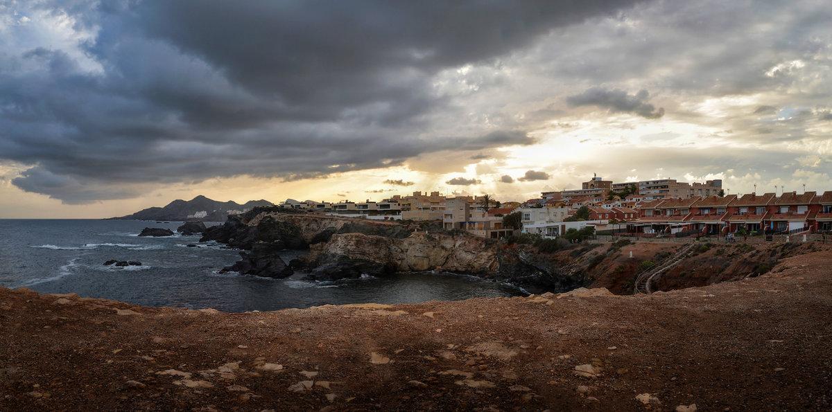 Городок на скалах (Испания, Кабо Копе)