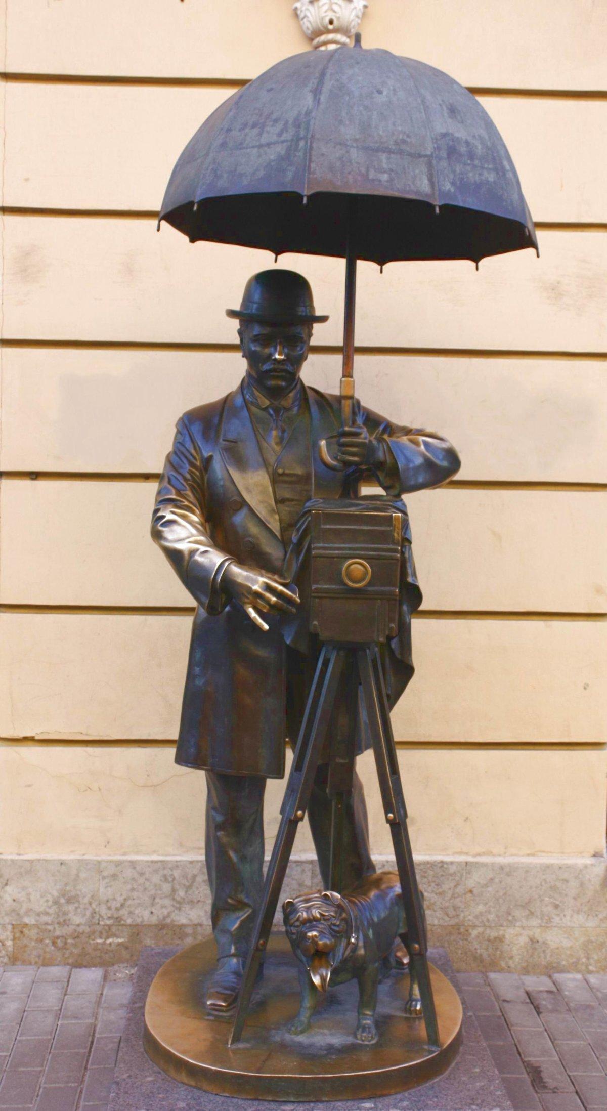 превосходный памятник фотографу санкт петербург говорил, что его
