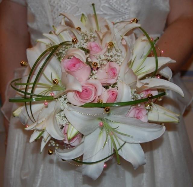 Букет для невесты из роз с лилиями, магазин фирмы