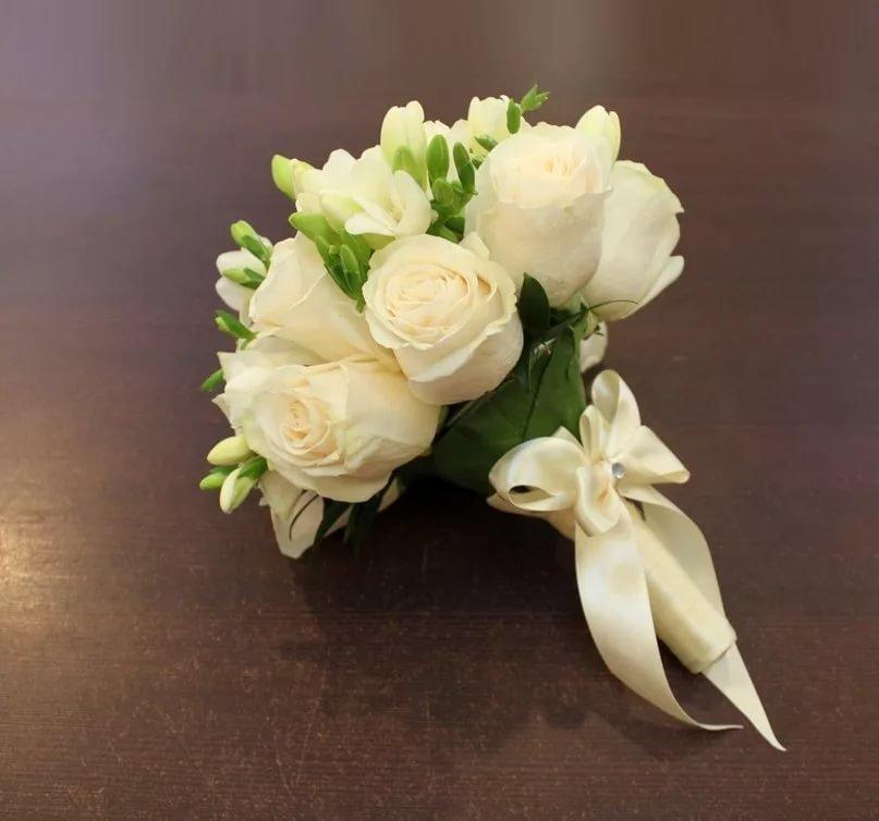 Сохранить, букет из белых роз свадебный фото