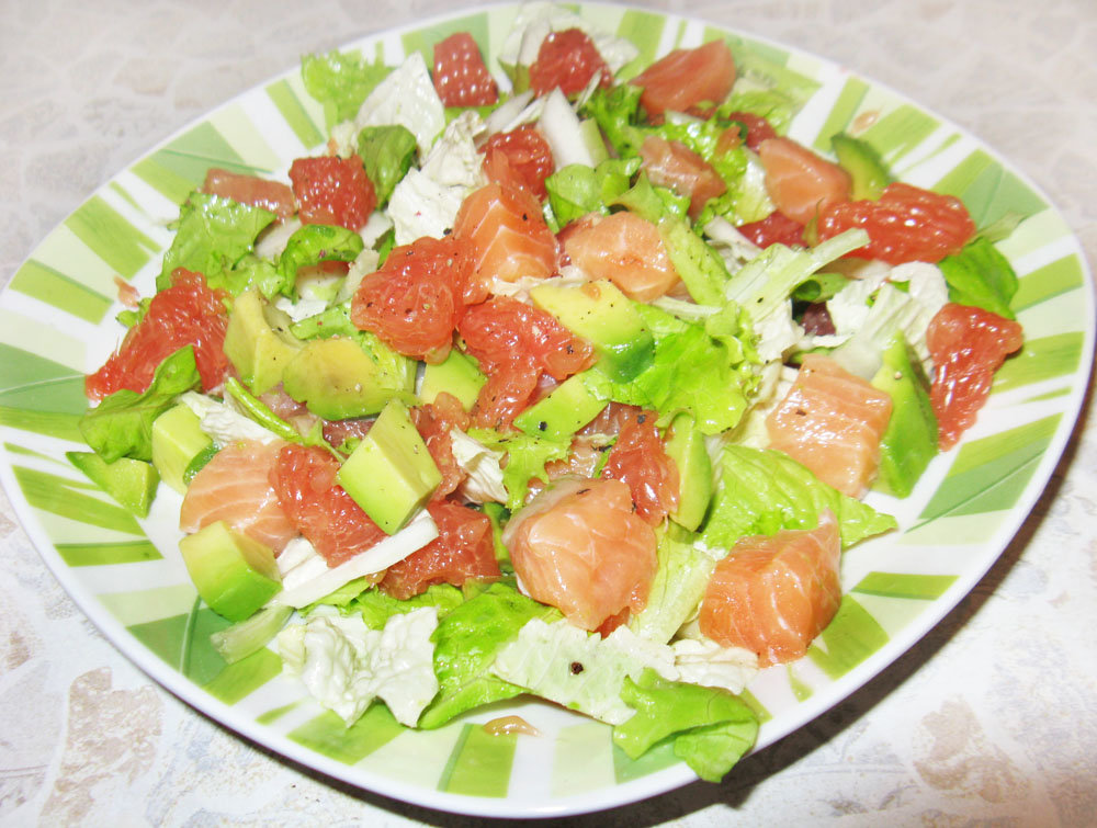 Салат из слабосоленой семги рецепт с фото