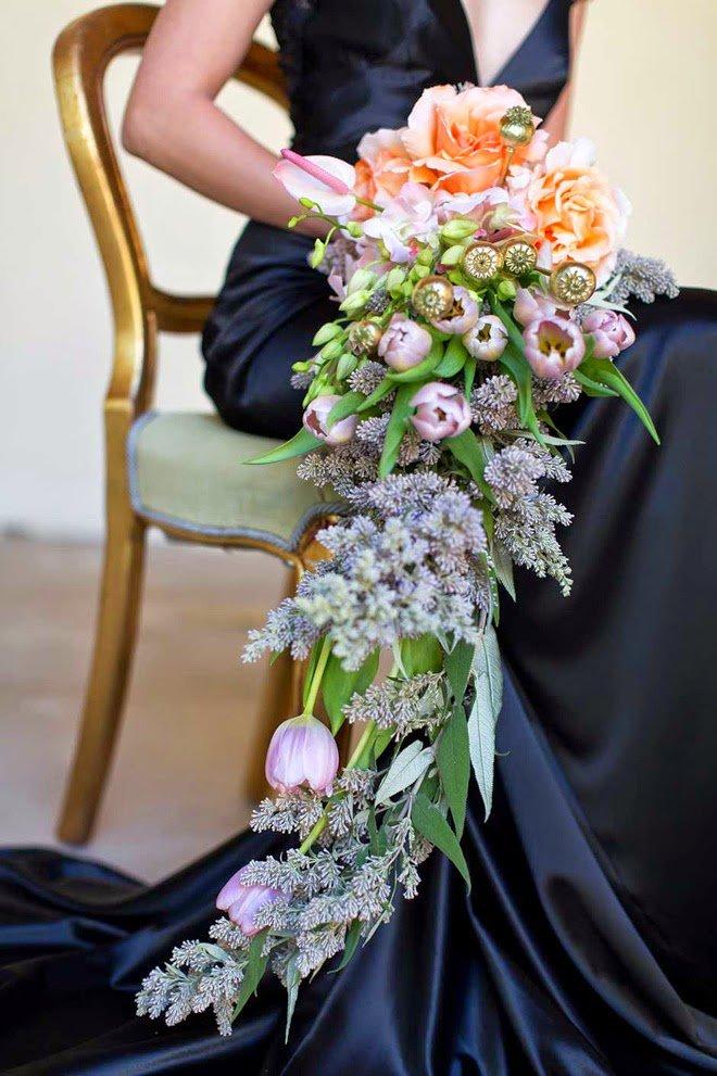 Доставки, длинные букеты невесты