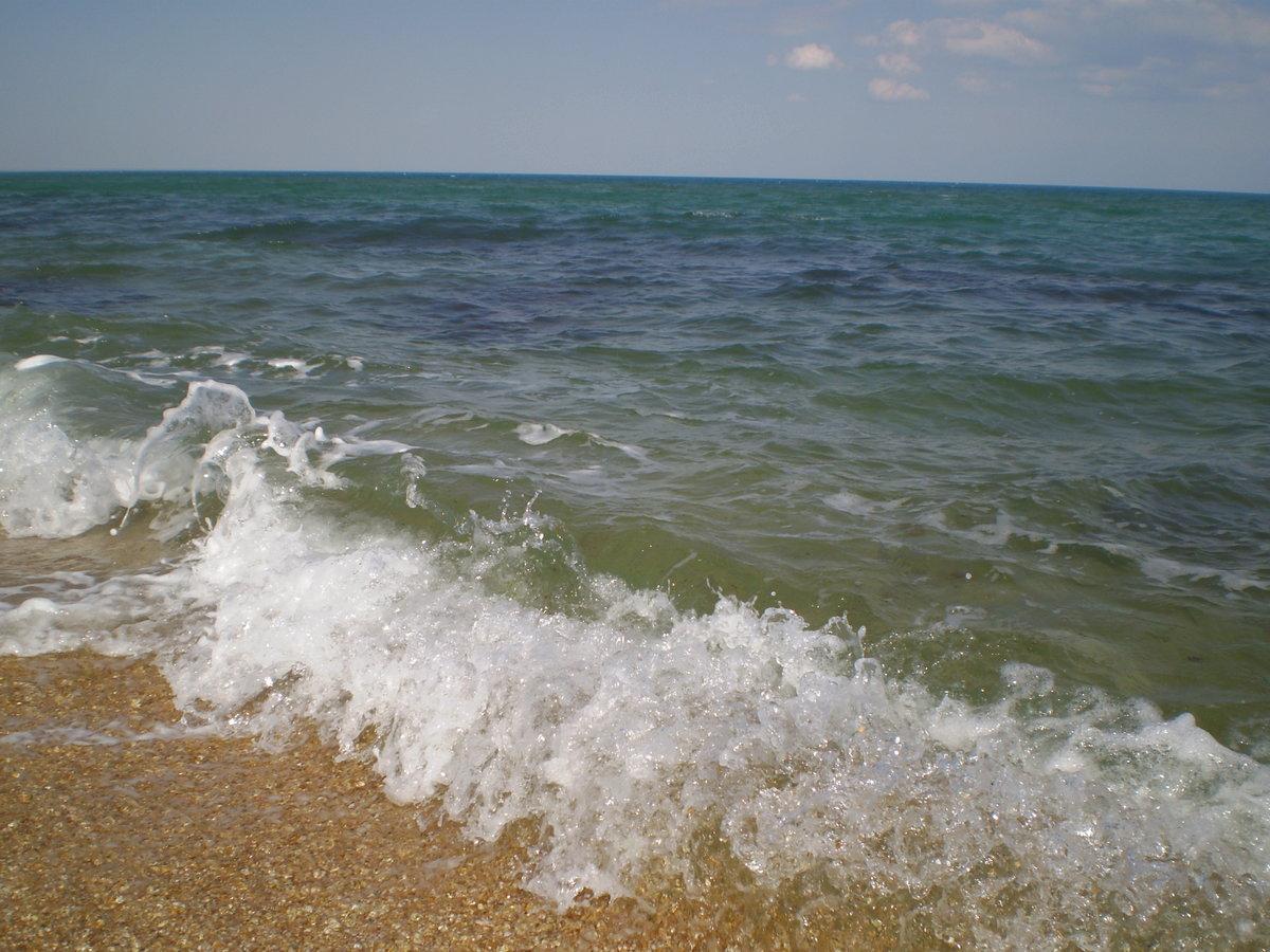 Море кораблик облака картинка что любая