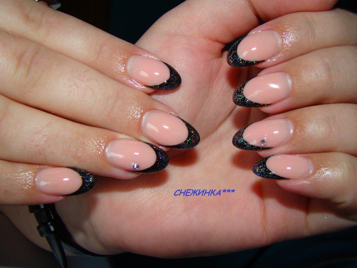 фото миндальных нарощенных ногтей френч мире