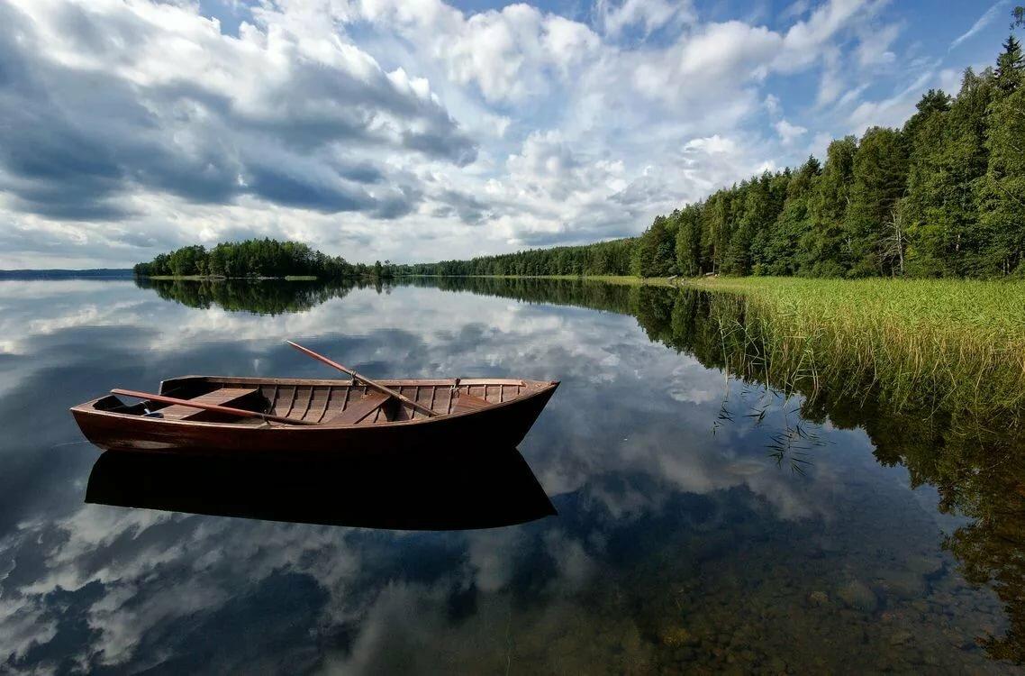 опытный картинки лодки возле берега фотографе дмитрий дубинский